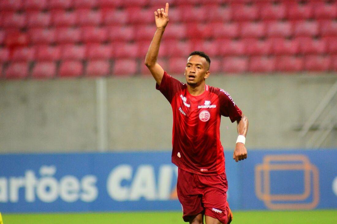 Jhonnatan já marcou dois gols pelo Náutico