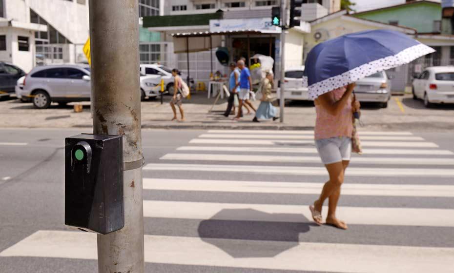 Semáforo inteligente passa por teste em Abreu e Lima