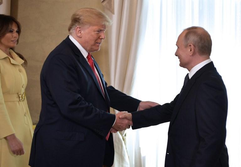 Trump e Putin se encontram em cúpula bilateral histórica