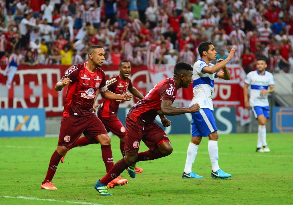Assis marcou um dos gols do Náutico no jogo