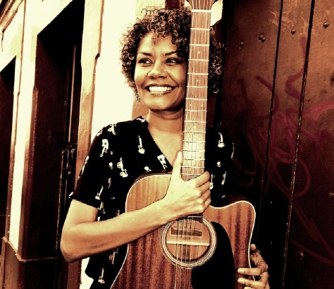 Daiana Rhister, cantora