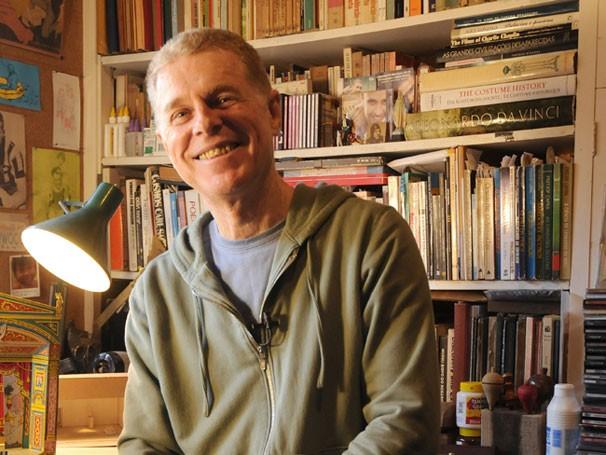 Quando completou 40 anos de carreira, em 2006, Hélio foi homenageado com uma bela exposição no Centro Cultural dos Correios