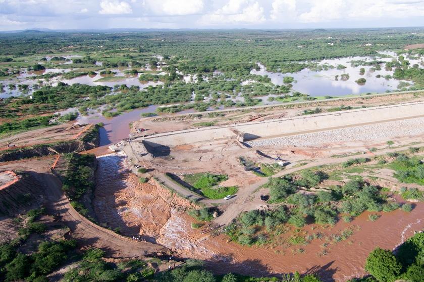 Estado também conseguiu liberação para suprimir 54 ha de Caatinga às margens do rio Pajeú para construir a barragem de Ingazeira
