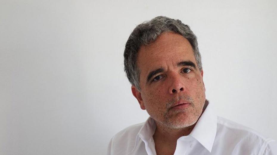Jorge Waquim, graduado em filosofia e tradutor.