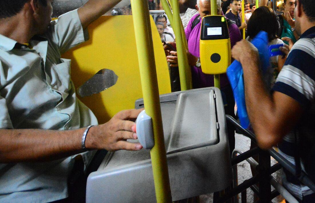 Cobrador de ônibus
