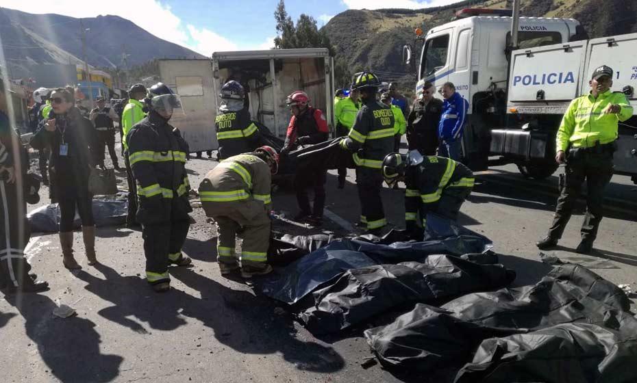 Acidente ocorreu entre Pifo e Papallacta, a 30 quilômetros de Quito