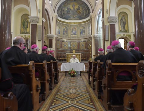 Há evidências de que Vaticano sabia de acobertamento, diz procurador
