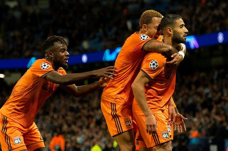 Lyon vence Manchester City pela Liga