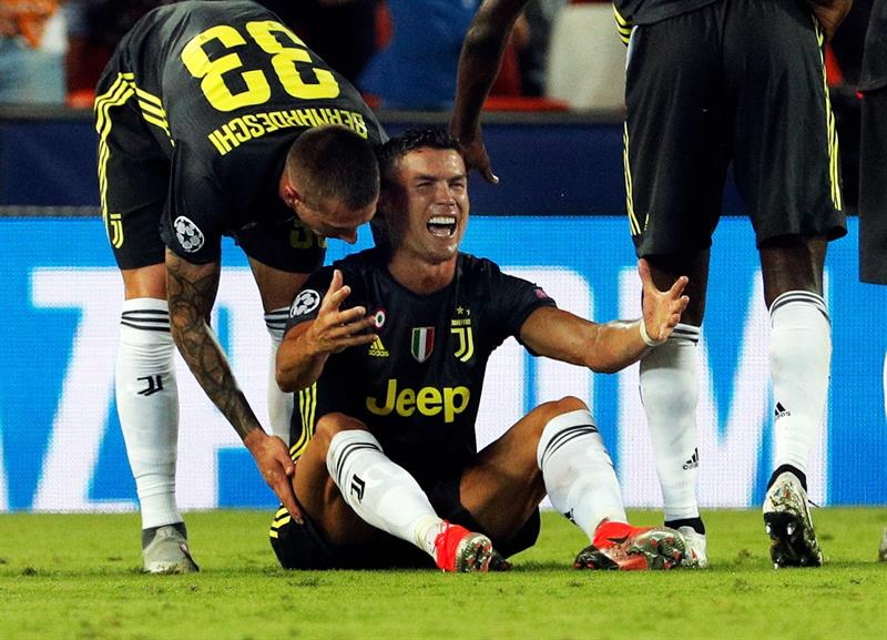 Cristiano Ronaldo foi expulso na partida diante do Valencia