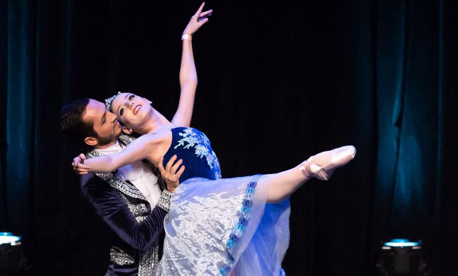 Bailarinos Julia Hertz e Flávio Henrique