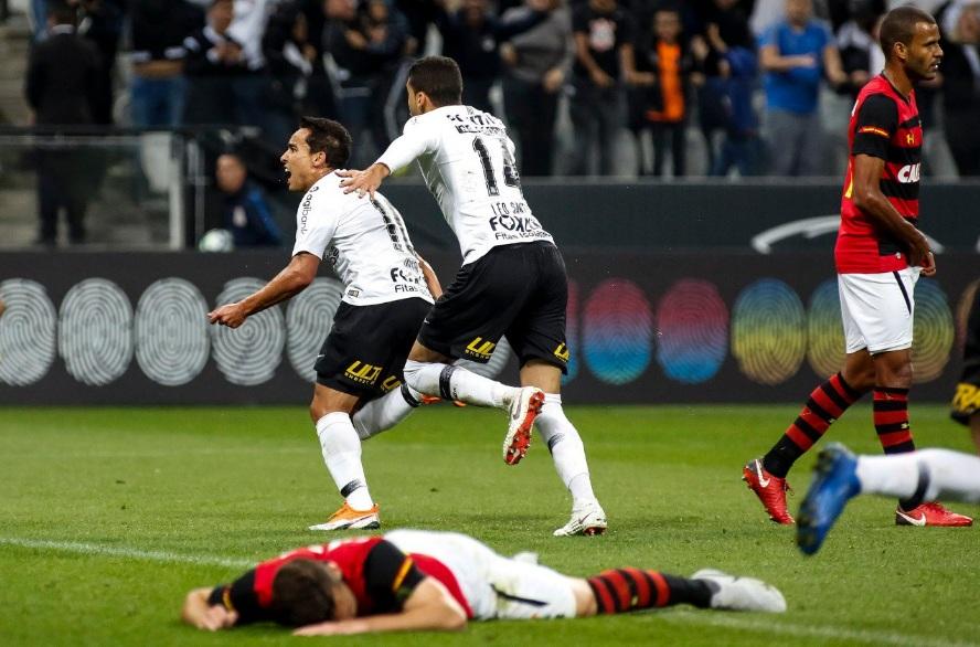 Corinthians vence o Sport de virada