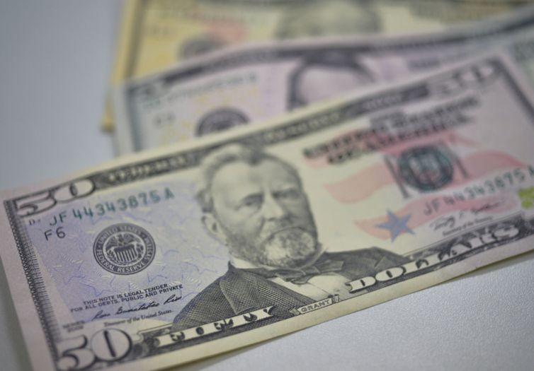 O primeiro pregão do mês de setembro manteve a tendência de valorização do dólar