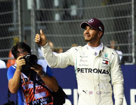 Piloto britânico Lewis Hamilton (Mercedes)