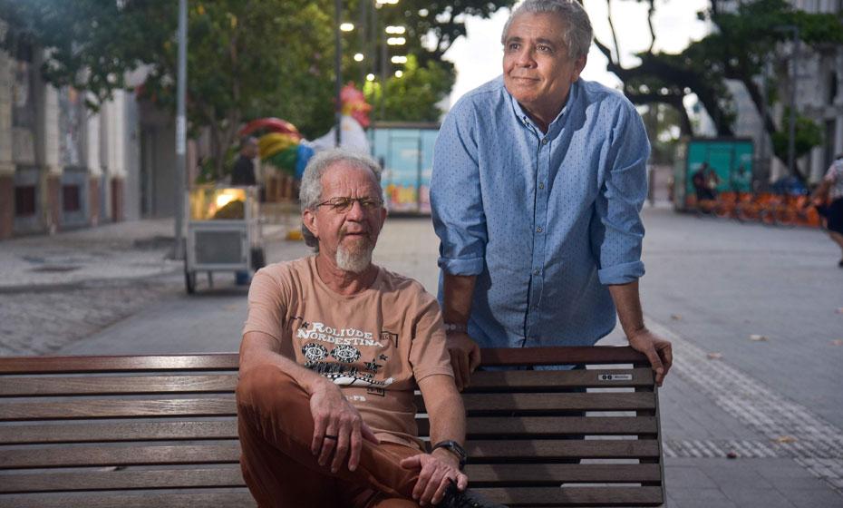 Gilson Oliveira e Evaldo Costa, organizadores do livro