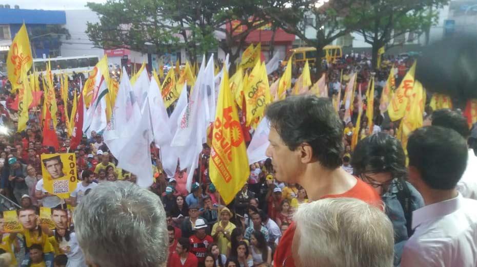 Fernando Haddad faz comício em em Garanhuns