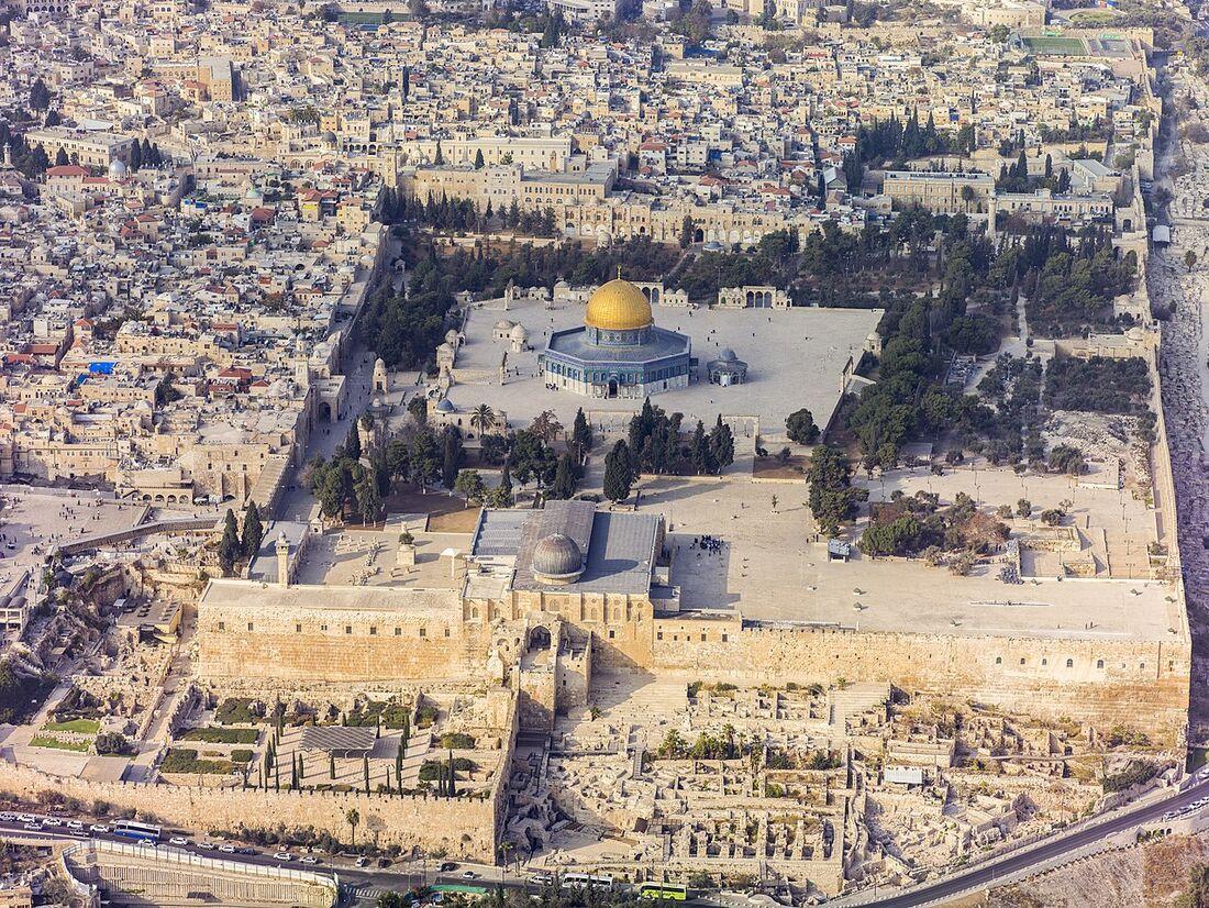 Jerusalém, cidade considerada sagrada pelas três principais religiões abraâmicas