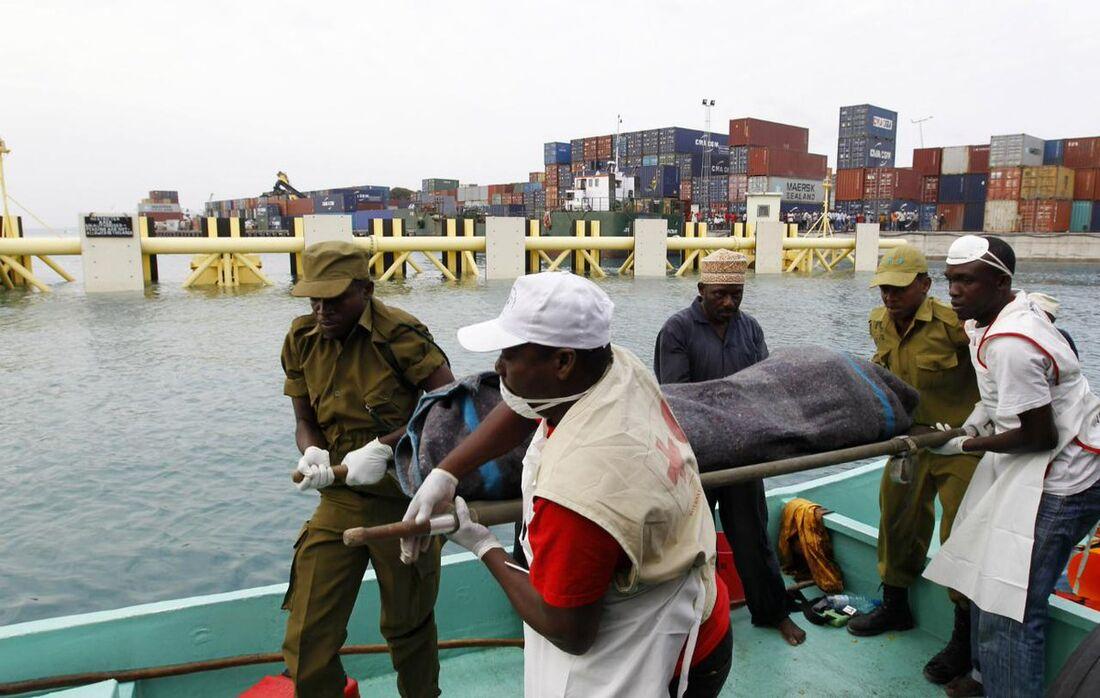 Resgate de náufragos na Tanzânia