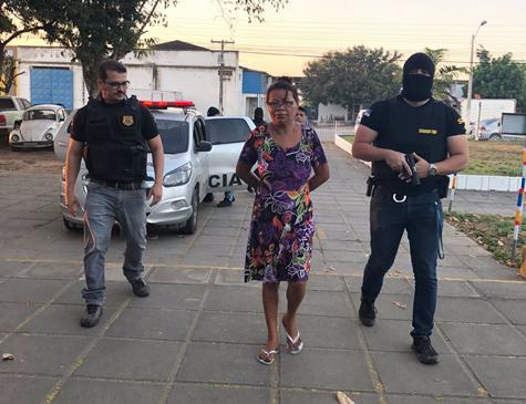 Presos estão sendo levados para a Delegacia de Limoeiro