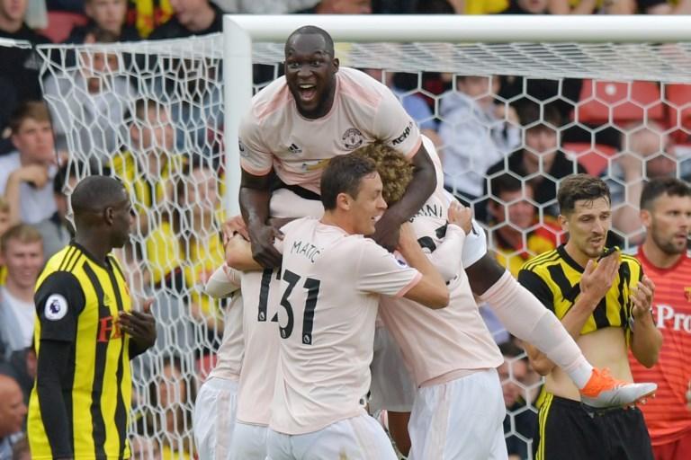 Jogadores comemoram o segundo gol da partida, marcando por Smalling