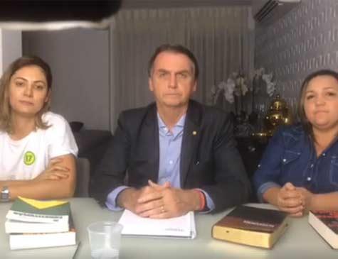 Bolsonaro faz transmissão ao vivo depois de eleito