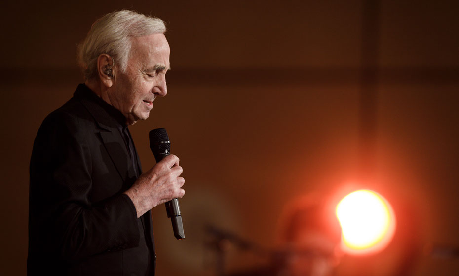 Charles Aznavour, cantor