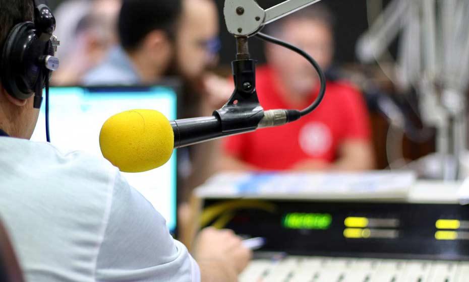 Debate na Rádio Folha