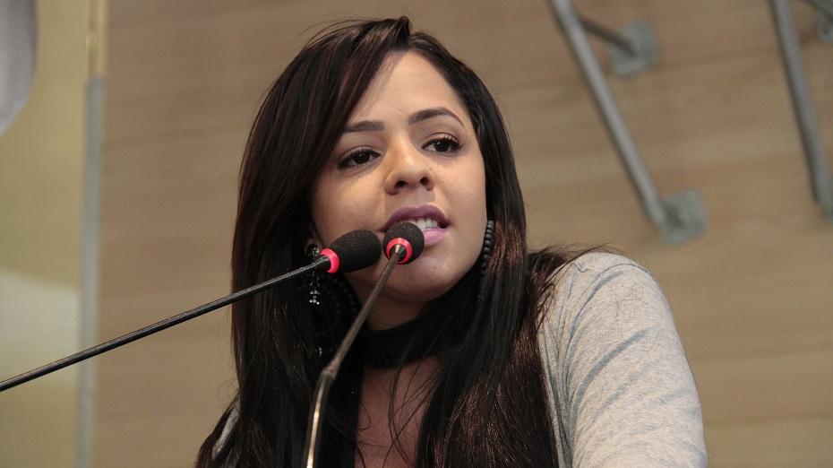 A vereadora Natália de Menudo (PSB) reivindicou o cumprimento de acordo para ocupar a vaga de primeira vice-presidente da Comissão Executiva da Casa