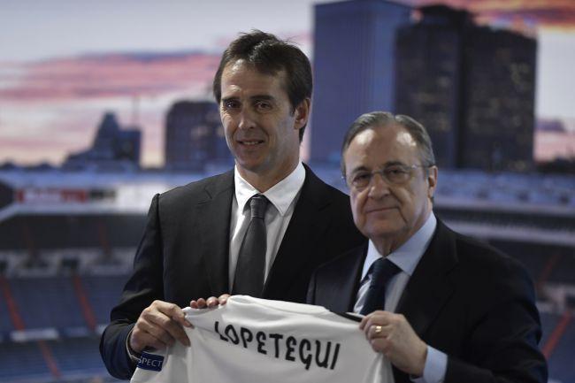 Lopetegui ao lado de Florentino Pérez em sua apresentação no Real Madrid