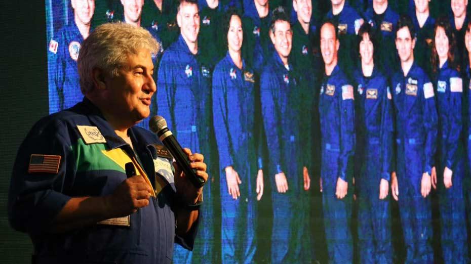 Astronauta Marcos Pontes fez palestra no Recife e falou dos planos para o Ministério de Ciência e Tecnologia