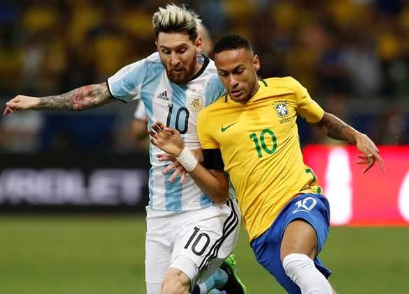 Neymar em ação contra a Argentina