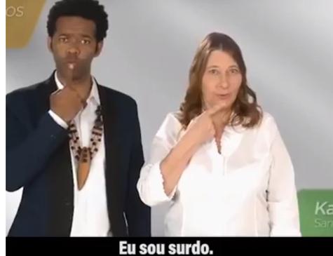 Surdos em campanha do candidato Jair Bolsonaro