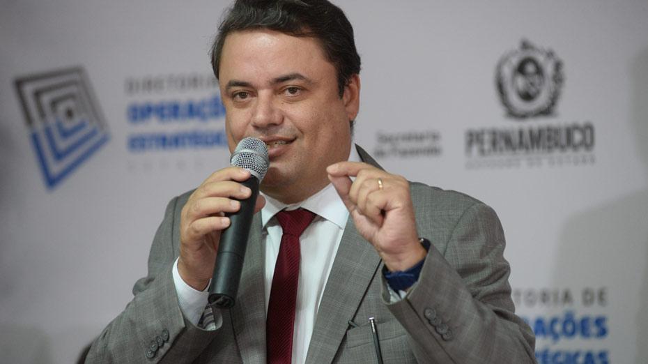 Secretário Bernardo D'Almeida