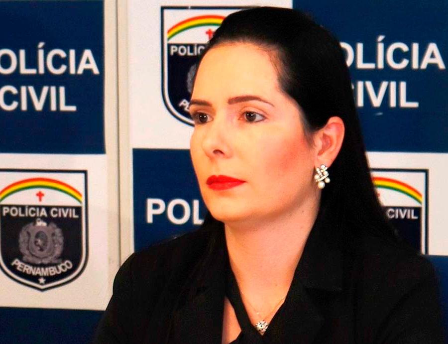 """Delegada Patrícia Domingos considerou """"bastante positiva"""" a decisão, segundo a qual ela segue presidindo inquéritos por mais 45 dias"""