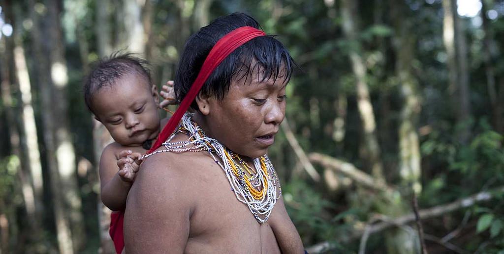 Mãe e filho yanomami