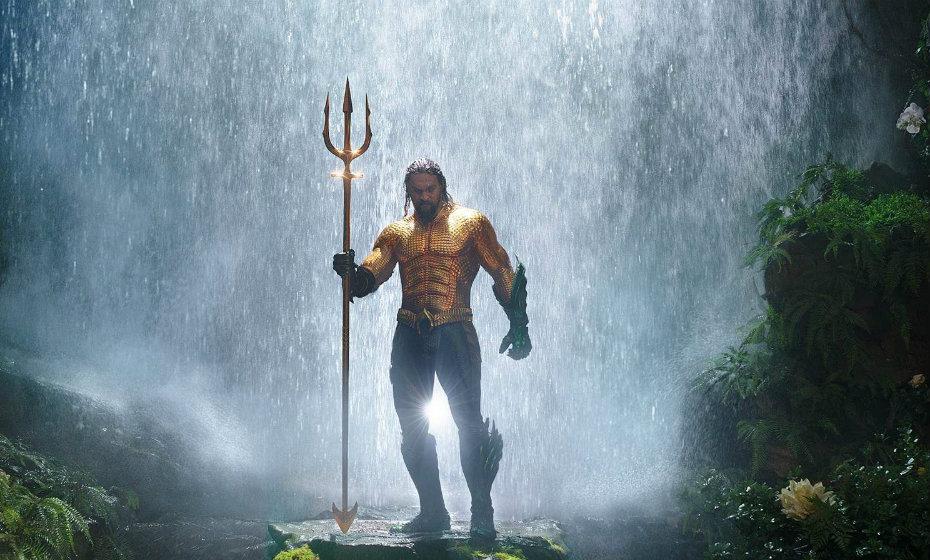 Aquaman é interpretado por Jason Momoa