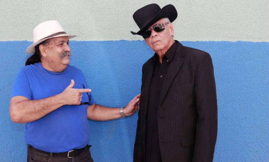 Zuza e Luiz Tarcísio, o Waldick Soriano cover, comandam festa na Praça Laura Nigro (Olinda)