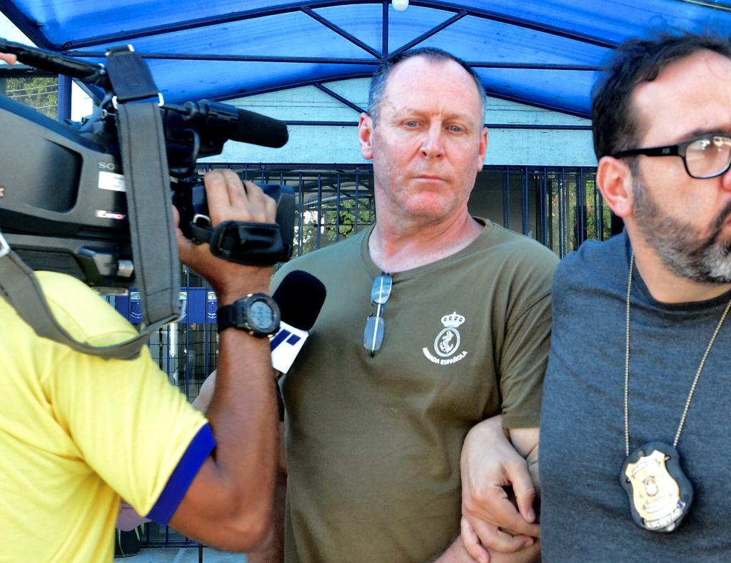 Paul Steven Peron, de 55 anos, confessou ter estuprado duas meninas