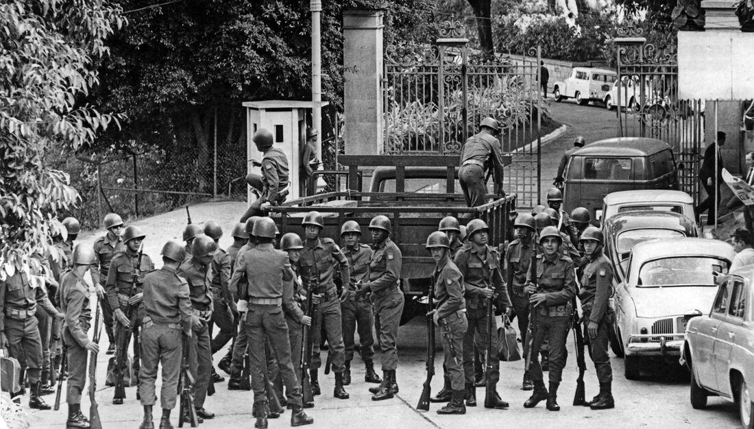 Intitulado '1968: Abaixo as ditaduras', o livro do jornalista Homero Fonseca será apresentado ao público no Museu do Estado