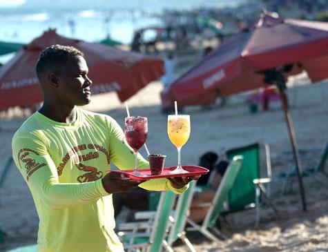 Bebidas e comidas na praia