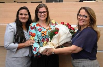 Marília Arraes recebeu homenagem da bancada feminina da Câmara do Recife