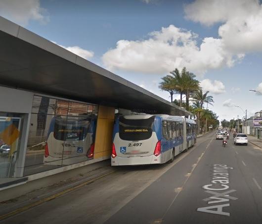 Estação de BRT na avenida Caxangá