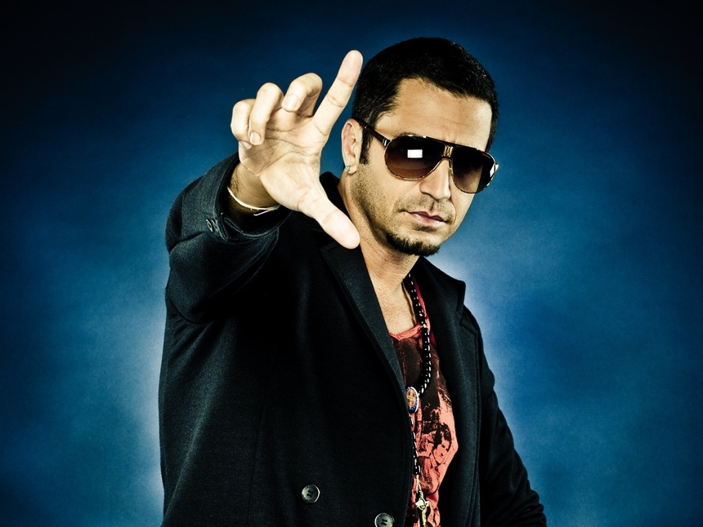 Latino, cantor