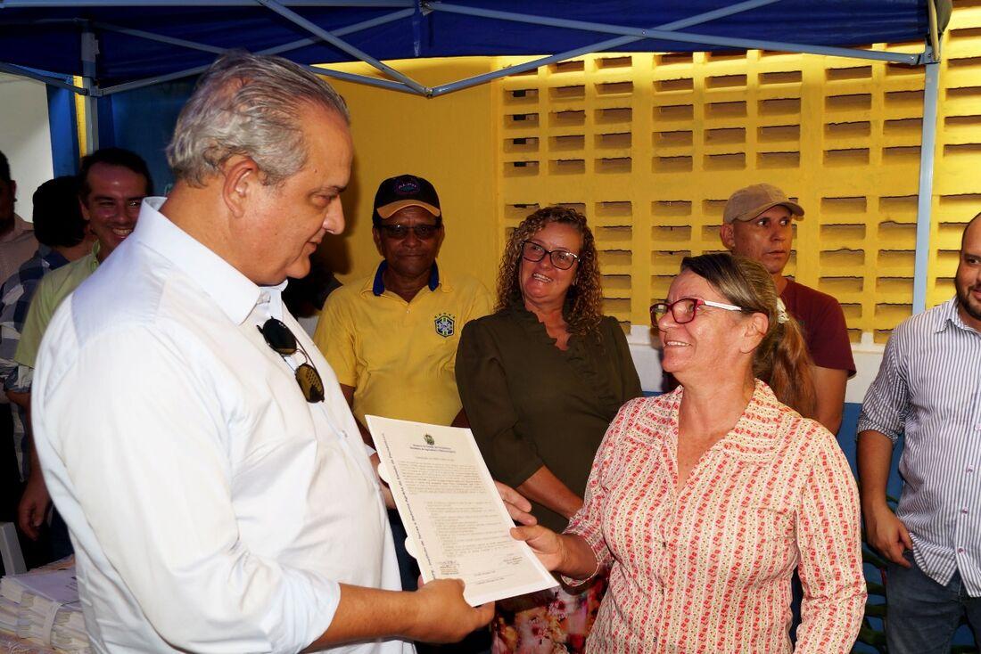 Deputado Aluísio Lessa (PSB) participou das articulações junto à SARA e prestigiou a entrega dos títulos