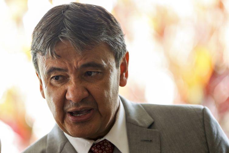 O governador do Piauí, Wellington Dias (PT), disse que a meta é pressionar para que temas considerados fundamentais que estão no Congresso avancem