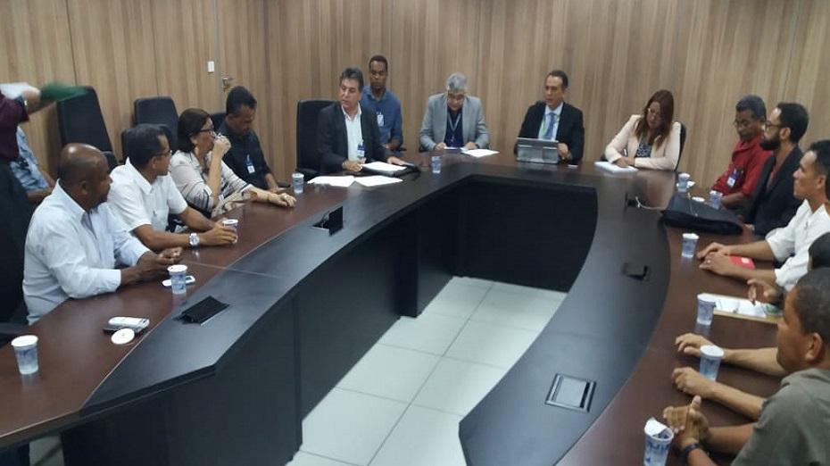 Reunião entre prefeito de Moreno e outros reprensentantes da cidade junto à direção da Compesa aconteceu, nesta quarta-feira, no Recife