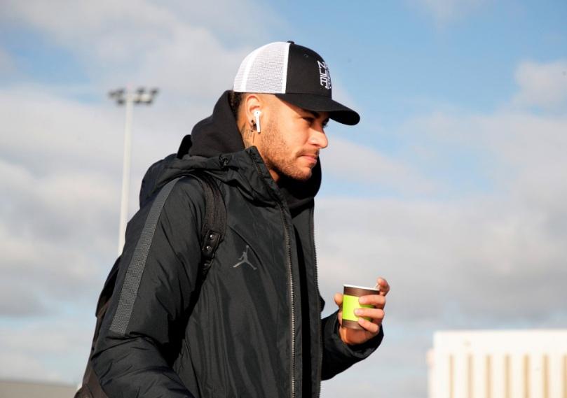 Neymar é investigado por publicar imagens íntimas de modelo