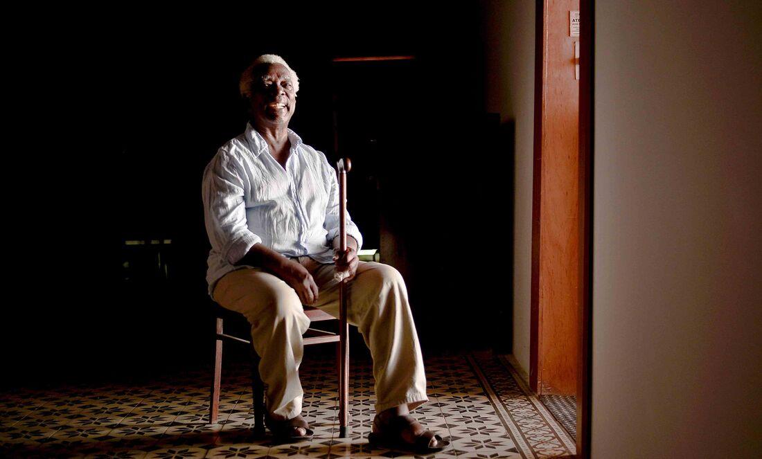 Cantor baiano Mateus Aleluia lança novo disco