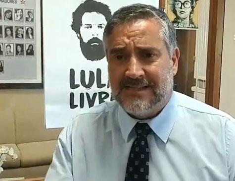 Deputado federal Paulo Pimenta (PT-RS) coordenam uma comissão que vai acompanhar a tramitação do processo de Lula