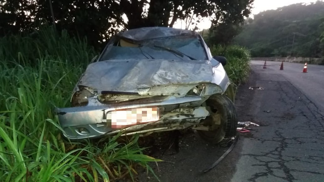 Acidente deixou motorista levemente ferido na BR-232