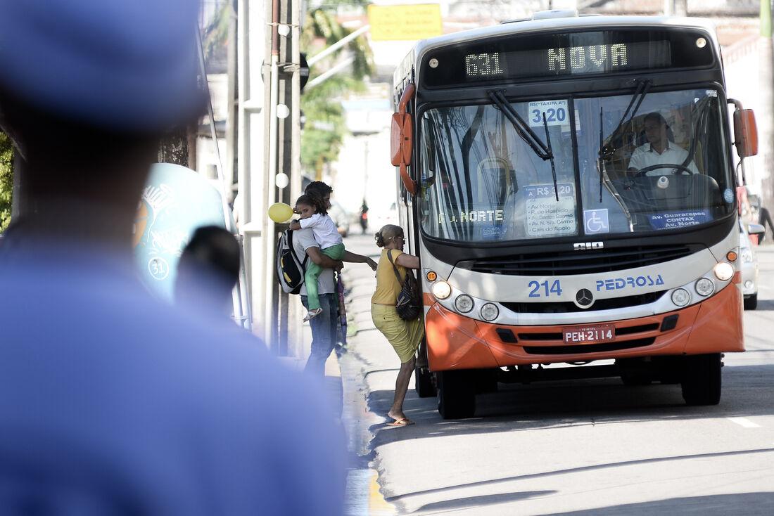 Usuários cobram melhorias no sistema de transporte coletivo